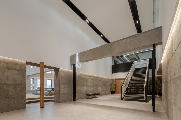 desain ruang kantor sederhana nuansa alami
