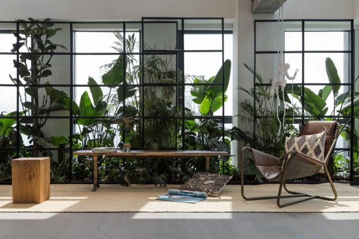 desain ruang kantor sederhana area hujau