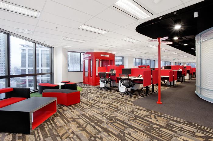 Desain ruang kantor unik 04