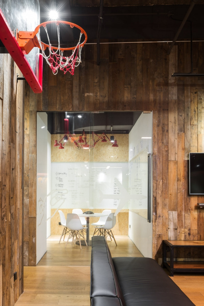 desain interior kantor keren dan nyaman 06