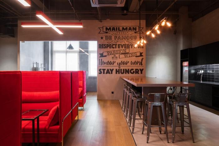 desain interior kantor keren dan nyaman 11
